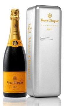 veuve-clicquot-brut-–-metal-fridge